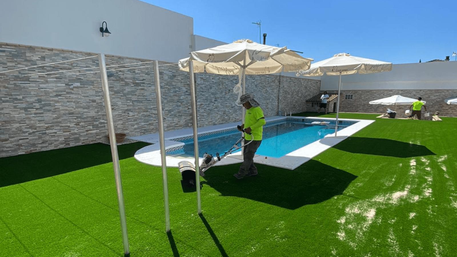 Verdegreen Césped, especialistas en césped artificial para terraza y jardines